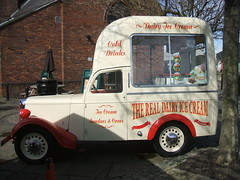 The Liverpool Ice Cream Company vendor's van (Apr 13th 2016) (RETRO STU) Tags: liverpool beatles albertdock lcv287 theliverpoolicecreamcompany kellysdairyicecream