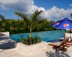 Plaj-Semsiyesi-15 (emsiye Evi) Tags: umbrella beachumbrella gardenumbrella patioumbrella plajemsiyesi bigumbrella umbrellahouse baheemsiyesi otelemsiyesi semsiyeevi