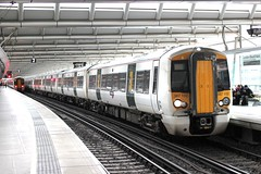 Govia Thameslink . 387102 . Blackfriars Station , London . Monday 04th-April-2016 . (AndrewHA's) Tags: london station electric train bedford railway class multiple emu blackfriars unit bombardier 387 thameslink threebridges electrostar 2w45 387102