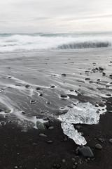 Islanda - Marzo 2016 (exofly) Tags: ice beach canon eos is iceland spiaggia f4 jkulsrln ghiaccio 6d islanda 1635l wwwimagomentisit