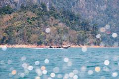 Khao Sok National Park (Caroline Groneberg) Tags: thailand boot see nationalpark wasser longtail dschungel khaosok spritzer blendenflecke