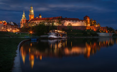 019 (davecurry8) Tags: reflection castle night river hill poland krakow wawel palace bluehour cracow vistula