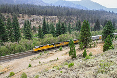 Crossing from California into Nevada (SantaFe5811) Tags: california trip travel vacation usa holiday photography nevada laketahoe springs unionpacific soda truckee donnerpass verdi truckeeriver sd70m sd70ace ac4400cw glenshire floriston canon7d usa2014v3