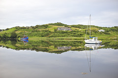 Clifden Harbour Reflections 2 (Manolo Blanco) Tags: road ireland sky castle galway club boat harbour connemara irlanda clifden