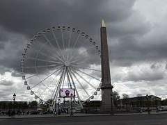 2016-04-30 01.31.07 (nickbruce483) Tags: trees sky paris france wheel clouds dark amusement europe long concorde greyscale turism turist obelisc whitewheel concordepark concordeobelisc