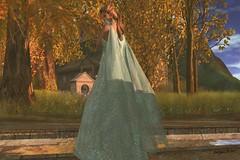 Di (suki (suegeeli decuir )) Tags: formalwear gown runaway swallow styling harmonygardens saschasdesigns