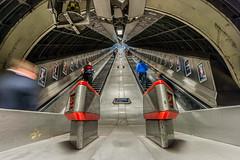 St   oP (Peter Murrell) Tags: londonbridge escalator wideangle londonunderground 20mm londontransport d700 nikon20mm18g 20mm18g