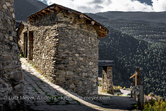 Andorra rural: Sant Julia, Gran Valira, Andorra (lutzmeyer) Tags: pictures old history primavera rural sunrise photography spring europe dorf village photos pics alt pueblo abril images historic fotos valley april ciclista past sonnenaufgang historia andorra antic oldhouses bilder imagen pyrenees springtime iberia frhling historie pirineos pirineus iberianpeninsula vell geschichte landleben pyrenen historique historisch imatges rurallife poble frhjahr granvalira altehuser geschichtlich historiccentre certes iberischehalbinsel historischeszentrum sortidadelsol santjuliadeloria rutaciclista canoneos5dmarkiii livingantic livingrural lndlichesleben santjuliadeloriaparroquia certers lutzmeyer lutzlutzmeyercom certescerters