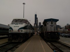 CASCADE F59PHI (Set and Centered) Tags: christmas eve chicago illinois amtrak locomotive passenger ge 466 railroading 517 emd f59phi amtk b328bwh
