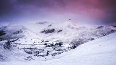 Cat Bells to Causey Pike (Vemsteroo) Tags: pink winter sunset mountain snow cold ice nature beautiful landscape frozen frost dusk lakedistrict olympus cumbria fell thelakes omd catbells mkii borrowdale 1250mm em5 visitengland uksnow visitbritain