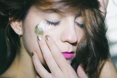 Golden hours (ACID FOOL) Tags: light portrait girl self hair gold