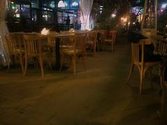 Meeting de chaises. (Gilbert-Nol Sfeir Mont-Liban) Tags: lebanon caf restaurant evening chair chairs soir sedie sedia chaise chaises brasserie liban sera mountlebanon montliban kesserwan