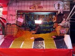 Olives (simon-r-) Tags: life street travel colour photography market olive morocco maroc olives maghreb medina casablanca markt rue marché seller marokko 2016 oliven مدينة المغرب الدار البيضاء