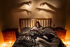 Threatening shadows / Sombras amenazantes (Hornisterol) Tags: painting enero paranormal nocturnas sombras miedo aparicin ligh inquietante pnico 2016 linterna posesion manueljrrega posesin