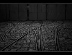 am Ende des Weges (geka_photo) Tags: bw deutschland schnberg schleswigholstein schienen schnbergerstrand lokschuppen schwarzweis gekaphoto