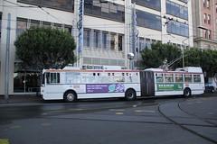 2002-2003 ETI 15TrSF #7101 (busdude) Tags: bus electric san francisco trolley railway muni articulated municipal trolleybus skoda eti trolleycoach 15trsf