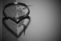 Heart (.:Daniel Mendona:.) Tags: blackandwhite white black love branco book heart amor preto ring corao livro pretoebranco anel