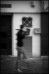 Gent (B) - Catalonistraat - 2016/03/08 (Geert Haelterman) Tags: blackandwhite white black monochrome belgium candid streetphotography fujifilm zwart wit ghent gent gand geert streetshot x10 photoderue straatfotografie photographiederue fotografadecalle strassenfotografie fotografiadistrada haelterman