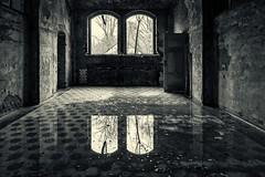 (Femme Peintre) Tags: fenster spiegelung verlassen schwarzweis lungenheilanstalt beelitz bestcapturesaoi elitegalleryaoi mnnerklinik
