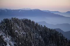 -43 (billlushana1) Tags: sunset mountain snow rock landscape minolta outdoor sony taiwan  peaks  taroko hualien  tarokonationalpark  superwide hehuanshan minoltamd  mountain 14 100peaksoftaiwan minoltamc135mmf28 taiwantop100peaks 3952 sonya7r