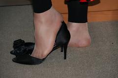 20100725_16_13_04_00496.jpg (pantyhosestrumpfhose) Tags: feet stockings shoes legs pantyhose schuhe nylons strumpfhose collants pantyhoselegs sheerlegs nylonlegs