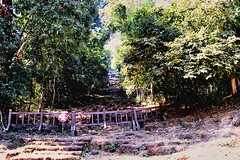 Phnom Bakheng - The direct path to the top of the hill is blocked off for safety reasons (Simon5591) Tags: khmer angkorwat siemreap phnombakheng