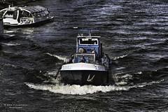 L'Eseve 2 (Photoeric_) Tags: paris france seine bleu bateau vague couleur exterieur