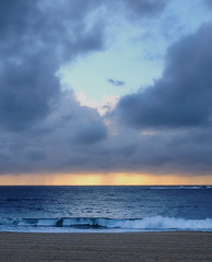 Morning at Coogee (Yitchie) Tags: ocean morning sea beach sunrise coastal coogee coogeebeach