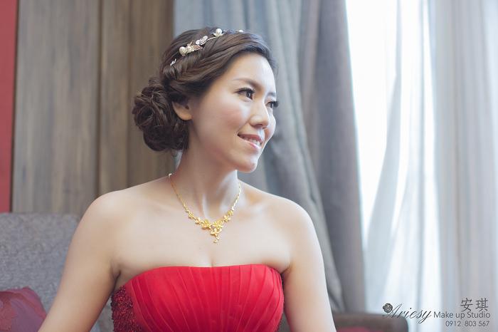 Ariesy造型團隊,安琪新娘秘書,台北新娘秘書,板橋上海鄉村,新娘輕透妝感,歐美風格,短髮造型,編髮造型