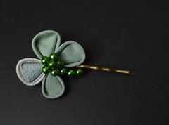 clover bobypin set 04 (3) (Bright Wish Kanzashi) Tags: handmade silk hairornament kimonosilk tsumamikanzashi japanesetechnique tsumamizaiku