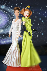 j lo & cate / red carpet (photos4dreams) Tags: green film ball movie toy doll dress barbie makeup disney cinderella grn gown collectors collector cateblanchett puppe stepmother kleid ballkleid abendkleid tremaine faceup stiefmutter photos4dreams photos4dreamz p4d dollmakeupartist dolls42016p4d