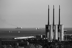 3_Torres_1_BW (mperezq) Tags: barcelona sea urban blackandwhite bw canon seaside industrial harbour telephoto sp ff besos tamron200500 santadri superperformance canon6d 3xemeneies tamronsp200500f56