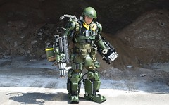 Brooklyn Exo Soldier (Brooklyn RobotWorks) Tags: nyc winter snow ny newyork storm trooper ice weather brooklyn soldier army robot costume marine war gun die cosplay live rifle jet snowstorm helicopter warner tomcruise rocket sunsetpark comiccon mimic repeat billpaxton snowpocalypse exosuit dougliman emilyblunt charlotteriley kickgurry christophermcquarrie chrismcquarrie peterkokis edgeoftomorrow jezbutterworth exosoldier brooklynexosoldier