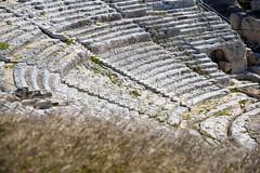 Siracusa - Neapolis - Teatro Greco (bautisterias) Tags: summer italy italia estate balcony unesco balconies sicily baroque tufa unescoworldheritage catania sicilia barocco ancientgreece balcone sizilien southernitaly magnagrecia mezzogiorno valdinoto tufastone southernsicily patrimoniodellaumanit