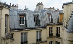 Froid sec. Ciel gris. Quelques claircies. (Robert Saucier) Tags: paris building architecture 13e gobelins xiii georgesperec xiiie coypel img8166