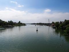"Hoi An: la rivière Thu Bon <a style=""margin-left:10px; font-size:0.8em;"" href=""http://www.flickr.com/photos/127723101@N04/24421697129/"" target=""_blank"">@flickr</a>"