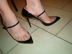 IM007118 (grandmacaon) Tags: highheels escarpins hautstalons lowcutshoes toescleavage