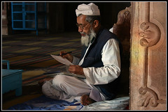 The teacher at the Madrasah in Taj-ul-Masjid, Bhopal (Elena14u2012) Tags: madrasah islam religion mosque koran bhopal centralindia eacher tajulmasjid
