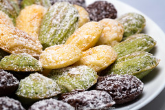 Vanilla, Chocolate and Green Tea Madeleines (-=Wacky B=-) Tags: chocolate pastry vanilla madeleine greentea baked wackyb marduk360 canonef100mmf28lmacro canoneos5dmark3 canon600exrt canonste3rt manfrottoandphottixgrip