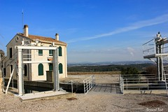 Le Poste de Garde de lAqueduc de Roquefavour (Bernard Bost) Tags: canon canal paca provence aqueduc 2016 bouchesdurhne ventabren roquefavour postedegarde aqueducderoquefavour canaldemarseille
