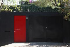 Calero 84 (L Urquiza) Tags: door city red architecture angel mexico arquitectura puerta san ciudad