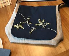 image (qshiftsews) Tags: tote refashion greensewing medssanderbag