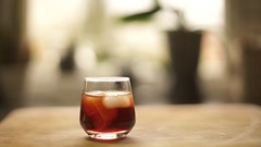 Porto (Caropaulus) Tags: blur glass drink bokeh vine porto alcool alcohol icecubes verre aperitif glacons