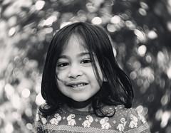 Potrait Smiley Bokeh (machixnation) Tags: girl monochrome dof bokeh 18 50 potrait tamron hights motionbokeh nikond750