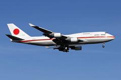 B747-4.20-1101-1 (Airliners) Tags: japan military government boeing boeing747 747 b747 adw jasdf b7474 33016 japanairselfdefenceforce 201101 japanaf japanairforce