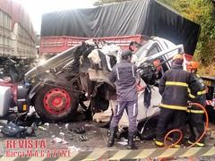 Barreiras: Acidente destri cabine de carreta e motorista sai consciente (revistabarramagazine) Tags: acidente carreta barreiras br242 oestebaiano oestedabahia polciarodoviriafederalprf