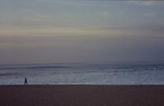 Cielo mar y aire (Trintxerpetarra) Tags: costa playa arena cielo pasear sansebastian olas donostia gros zurriola gipuzkoa