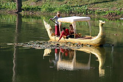Angkot Thom; romantic sunset cruise (asitrac) Tags: travel nature water boat asia cambodia southeastasia transportation gondola kh siemreap moat indochina angkorthom siemreapprovince angkorarcheologicalpark angkorarchaeologicalpark angkotthom