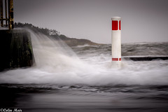 Just the one - 2015-12-30 14-29 - DSC05679 Gimp (colin.mair) Tags: red sea storm misty long exposure waves bollard prestwick