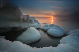 Frozen_rocks